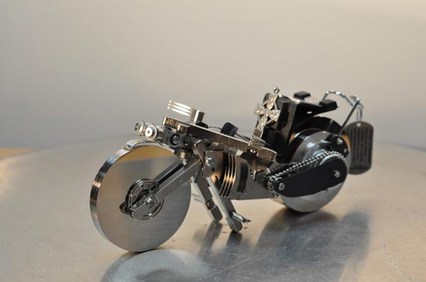 Recycled-Hard-Drive-Sculptures_3